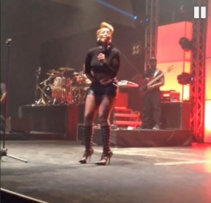 mary-j-blige-performing-in-nigeria2